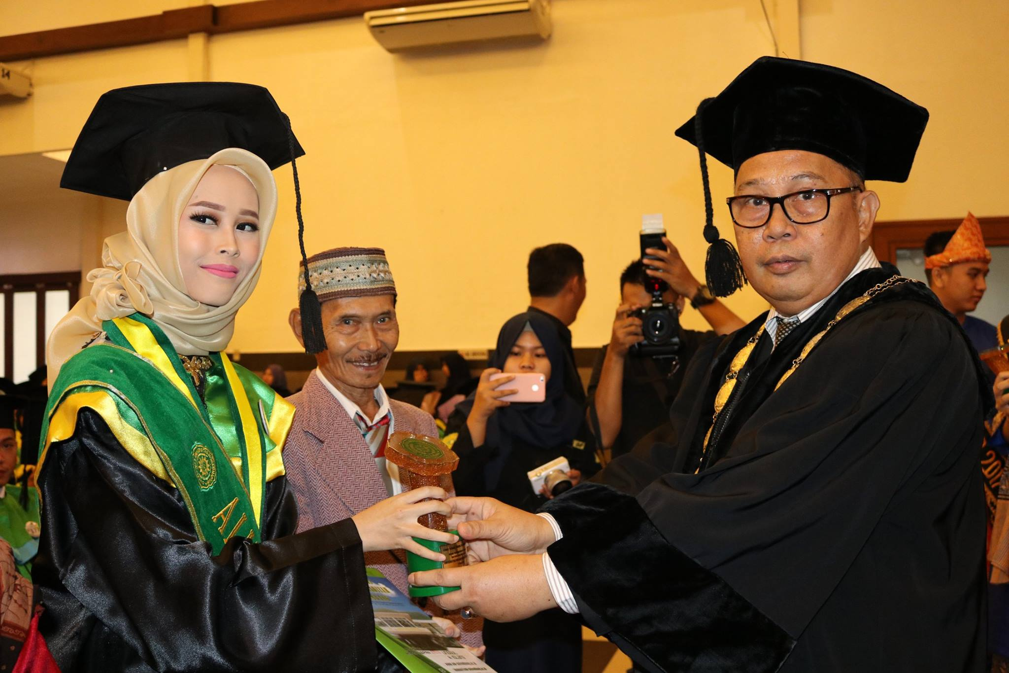 penghargaan kepada alumni terbaik universitas muhammadiyah palembang