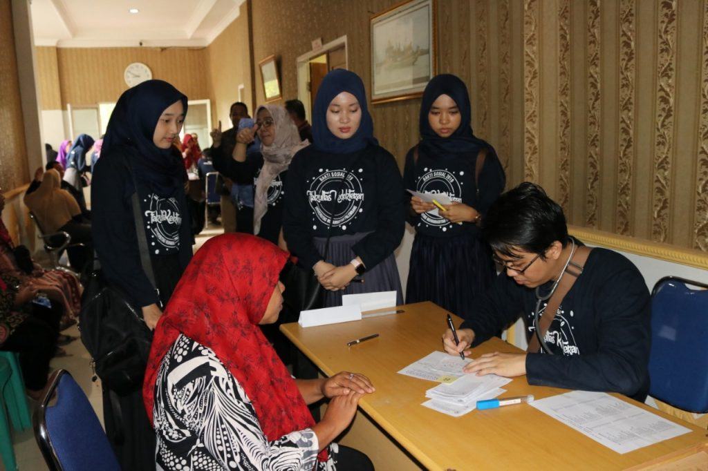 Bakti Sosial FK UM Palembang Ke-12 b
