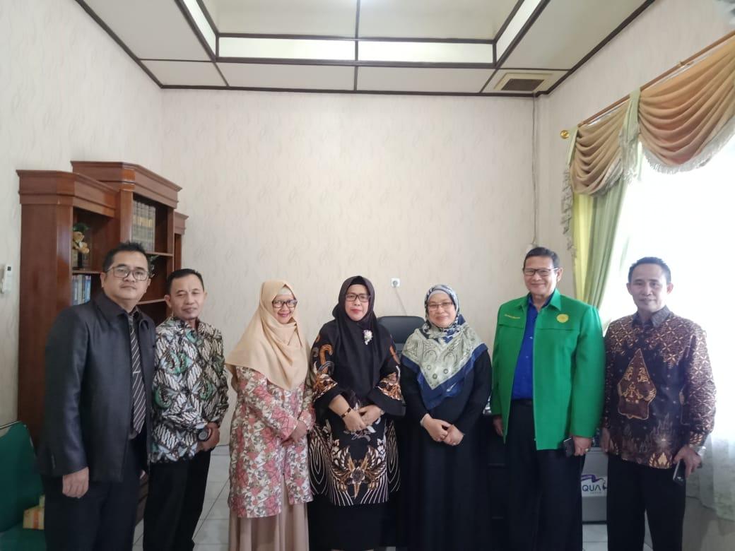 Gelar Diskusi Ilmiah, FEB UMPalembang Hadirkan Guru Besar International Islamic University Malaysia